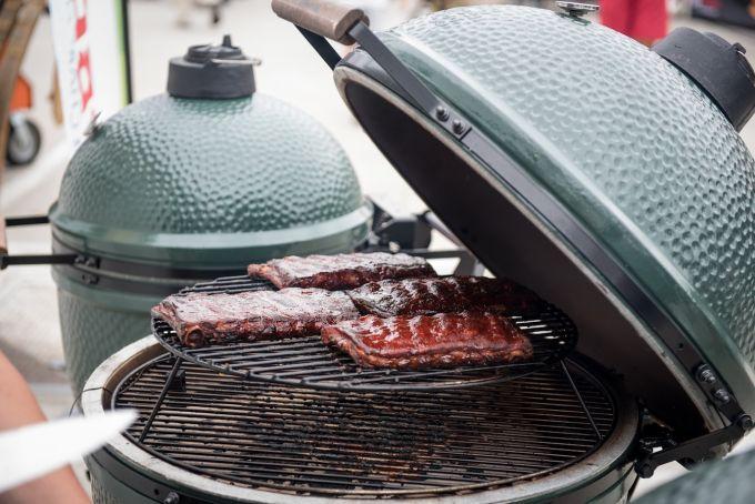 barbecue con coperchio 🥓 Barbecue a Carbonella🍗 Barbecue a Carbonella