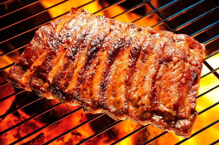 come cucinare con barbecue a carbonella